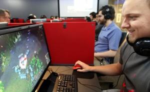 pc gaming & mobile gaming